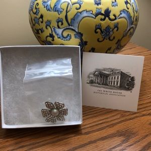 Pearl/ diamond replica pin. First Lady collection
